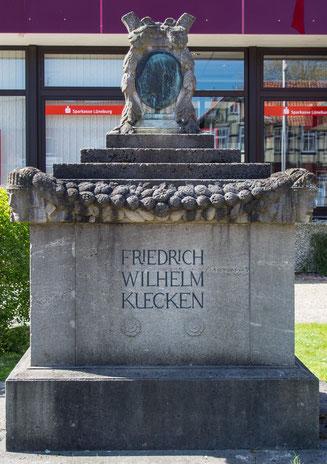 Bild: Kücken-Denkmal in Bleckede