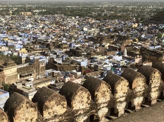 Bild: Blick vom Fort auf die Stadt Bundi in Rajasthan