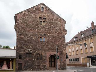 Bild: Romanische Hauswand in Worms