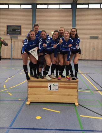 Landesligameister: Leoni Grulke, Lena Feltl, Marina Stelzenmüller, Benita Höckele, Jasmin Straub, Pandora Knäbe. und Hanna Störkle.