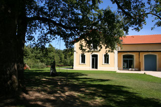 """Blick auf die Vorseite der Ferienwohnung """"Kutschhaus"""""""