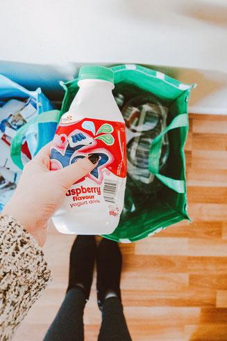 cette image représente des objets liés au recyclage
