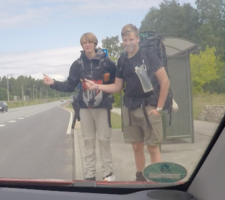 Tramper am Straßenrand