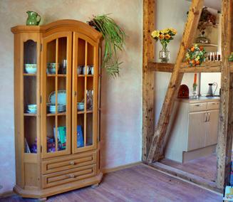 Ferienwohnung nahe der Ostsee Fachwerk zwischen Wohnraum und Küche