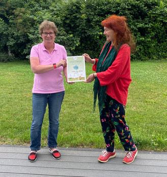 li. Tanja Wellstein, Town & Country-Stiftungsbotschafterin                            re. Edith Wingenfeld, Gründerin DIREKT FÜR KINDER.  Foto: Beta-Casa