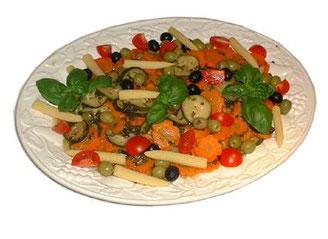 eingelegtes mediterranes Gemüse