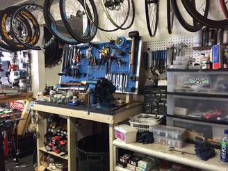 ハワイで自転車を預かり保管します。パートナーのBOCA Hawaiiでは預かり保管している自転車はメンテナンスしてお渡しします。