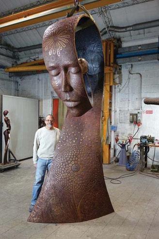 La Paix sculpture by Jean louis Landraud