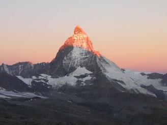 Matterhorn en el sol matinal
