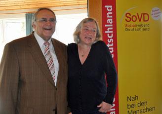 Dieter Konietzko und die Kreisfrauenbeauftragte Ute Rehders