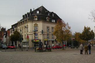 dudweiler, saarbruecken, klein am markt, apotheke, marktplatz