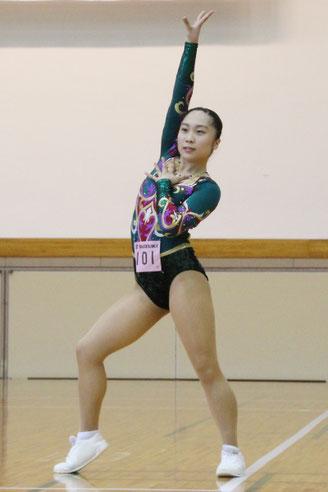 (シニアの部)最優秀選手賞を獲得した佐柄夏葉