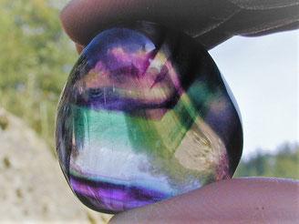 Fluorit BI 1,43 mit seiner unter den Mineralen aussergewöhnlich breiten Farbpalette ist von moderater Brillanz.