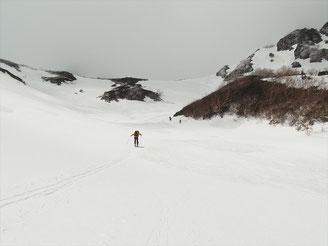 マヤクボ沢出合からカールへ登行