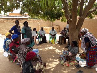 Ouagadougou. Réunion de sensibilisation avec TOND LAAFI.