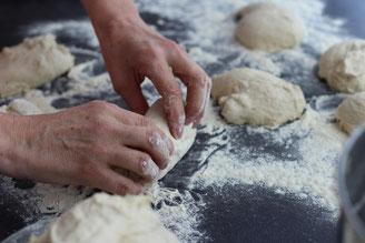 Teiglinge für Baguette formen