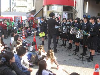 横浜清風高校吹奏学部演奏風景