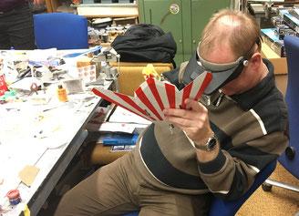 ...und Jens versteckt sich gerade hinter einem seiner vielen 48er Projekte......  in diesem Fall eine F-117 von TAMIYA.....
