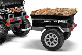 adventure trailer anhänger beladen in betrieb