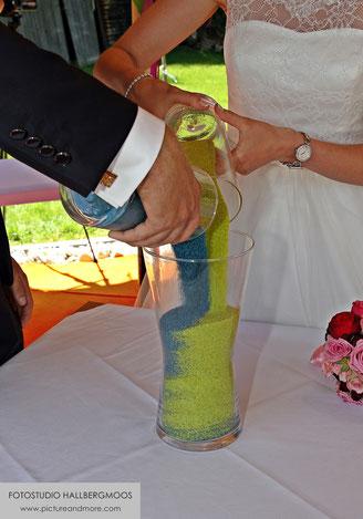 Hochzeitsfotografie - copyright by Fotostudio Hallbergmoos Iris Besemer - www.pictureandmore.com