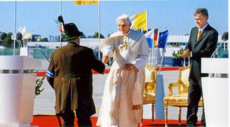 Meldung an Papst und Bundespräsident