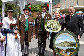 v. r. n. l.: SKH Herzog Max, IKH Herzogin Elisabeth, Hauptm. Flori Baier, Leutn. Wolfgang Baier, Marketenderin