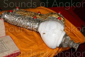 2. Conque utilisée par les bouddhistes tibétains.
