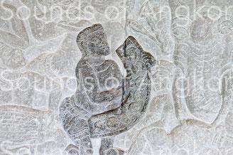 Carillon de huit gongs. Angkor Vat,  galerie nord. Victoire de Krishna sur l'Asura Bāna. XVIe s.