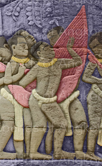 Harpiste en position debout lors une procession. Les cordes et les chevilles ont été représentées en nombre indéfini . Bayon.