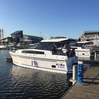 Hausboot TOP KRUISER 1000  4+2 KOJEN  1 Schlafkabine   ohne Führerschein