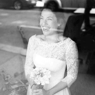 Brautkleid mit langen Spitzenärmeln