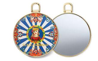 〈ドルチェ&ガッバーナ ビューティ〉のホリデーシーズン限定は王冠の装飾が豪奢でステキ!