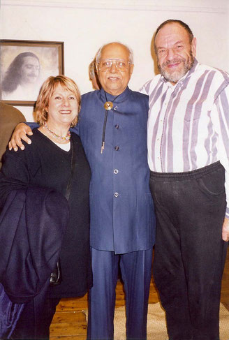 Adrian with Bhau Kalchuri and Helen Morton in Melbourne