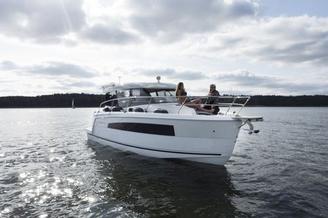 Hausboot SUNCAMER 30  4+2 Kojen, 1 Schlafkabinen  ohne Führerschein