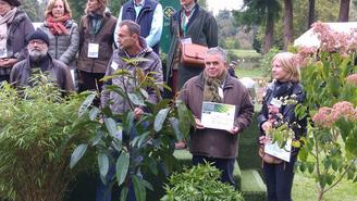 1er participation aux Journées d'automne de Courson à Chantilly Pour le Jardin des Senteurs et des Saveurs ,une nouvelle plante primée ,2 fois Un mérite ° une recommandation du jury pour la Solanum Muricatum (la poire melon)