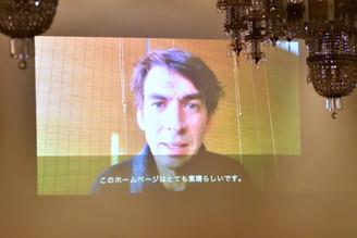 マティアス・ヘンツェからの動画のメッセージ