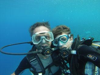 Photo de famille sous l'eau