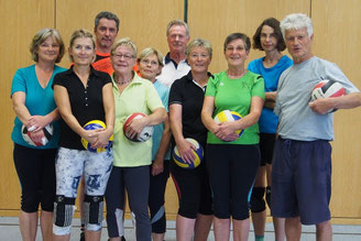 Gruppenfoto Volleyball Frauen und Männer