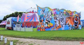 Le cirque Europa au domaine de la Cour Roland à Jouy-en-Josas.
