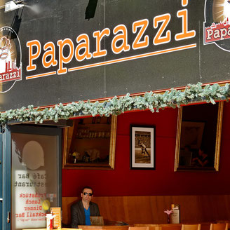 ANdreas Maria Schäfer,Fotografiewelten,fotograph1956,Streetfotografie,Paparazzi,Café,Frankfurt/Main,