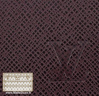 malle vuitton toile taîga cuir trunk utilisé pour les intérieurs de bagage