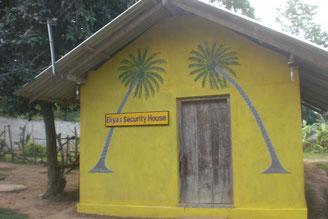 Eliya´s Security Haus am Eingang der Anlage