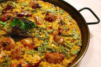 鶏とウサギのパエリア バレンシア風
