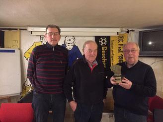 v.l. : Klaus Merz, Werner Nienhaus und Turniersieger Clemens Ening