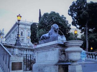 Египетские львы в Риме, ночной Рим фото