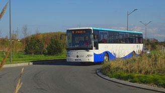 Mercedes O560 Intouro M du réseau MAT en service sur la ligne 9. Il est ici photographié dans la zone Atalante.