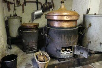 L'alambic : atelier de distillation de mon père