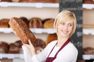 Kunden über die Brotsorten und Inhaltsstoffe beraten