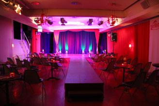 Theatersaal der roten Bühne. Foto: Lisa Hahn