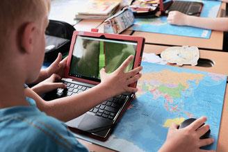 Schüler baut mit Minecraft
